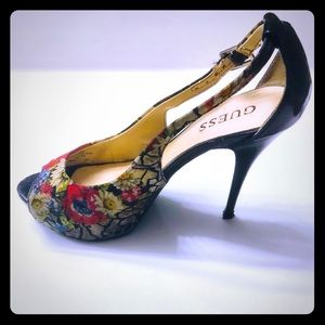 Guess flowery platform heels - peep toe